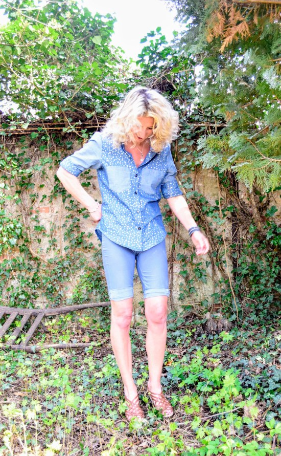 nähen statt kaufen, wardrobe by me, selfish sewing, new pdf pattern, fashion style summer, jeanshemd nähen, driessenstoffen, derdiedaspunkt, germanblogger, diy fashion blogger, handmade fashion, sewing jeans shirt, skinny pants nähen, coudre, nähblog, ü50 modestil, 50 plus mode diy, wildlederjersey nähen, diy mode blog, depressionen, probenähen, anna shirt, haute skinny pants, chambray fabric, golden dots, linke seite vernähen. creative life, diy don't buy, i make my clothes,