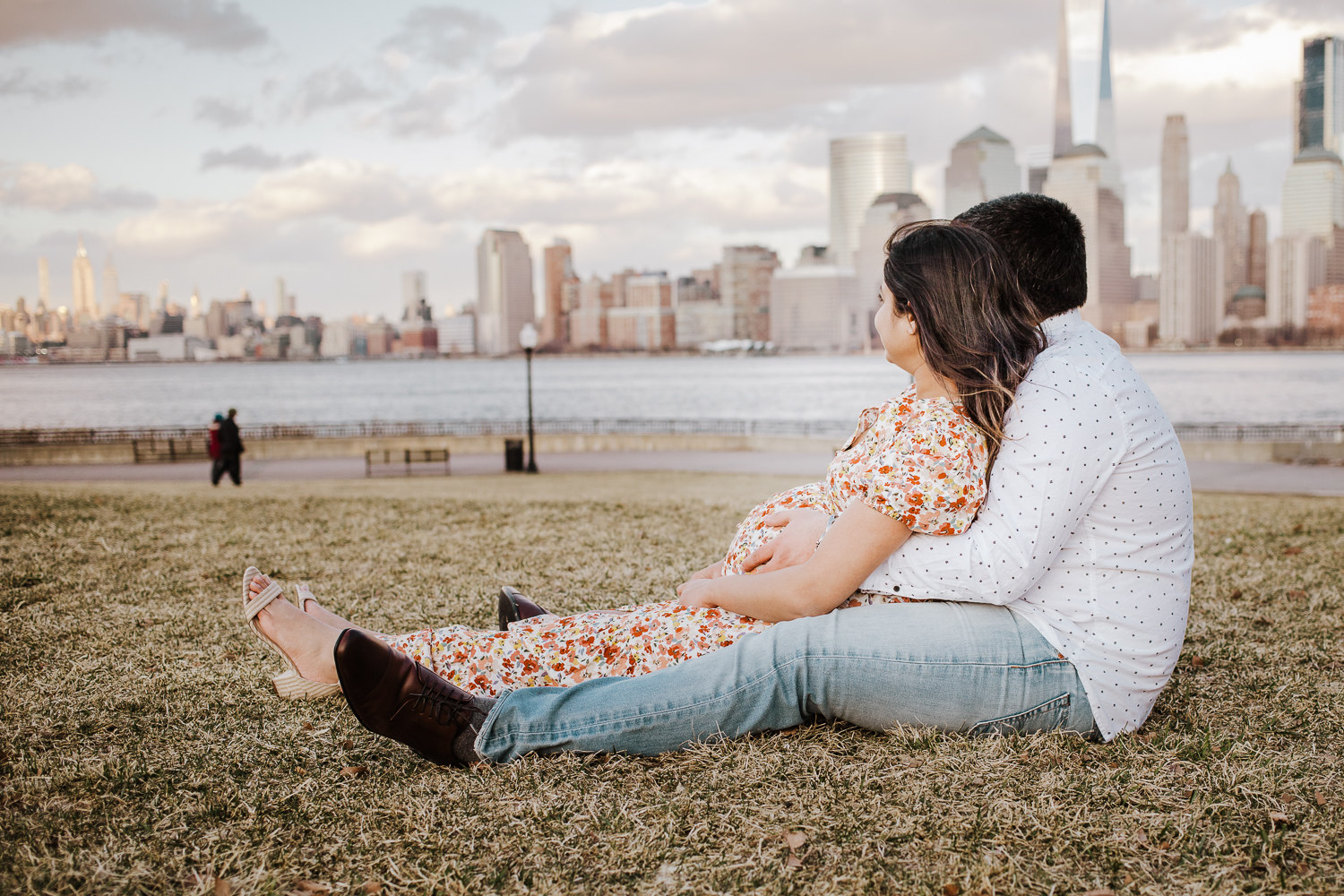 maternity session at liberty state park