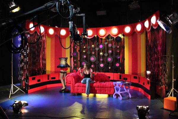 Adereos para cenrio  Programa Sex n Roll  Mix Tv  Juliana Andreatta