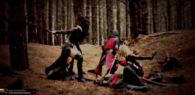 Kahlan and Cara fighting together.