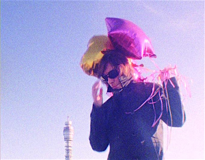 Julian Hand - Freakapuss - Video - Still