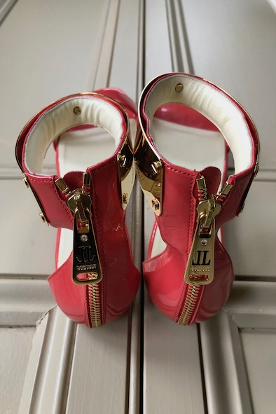Loriblu pink patent sandals with gold ankle clasp