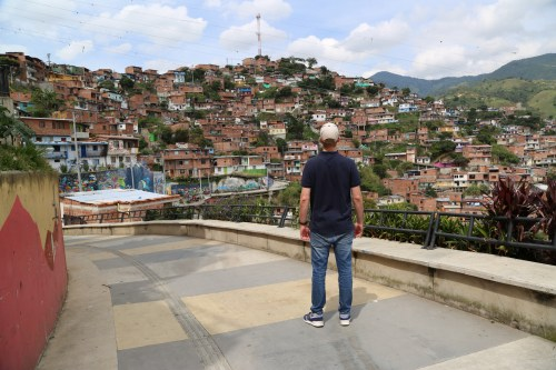 Julian Power in Comuna 13