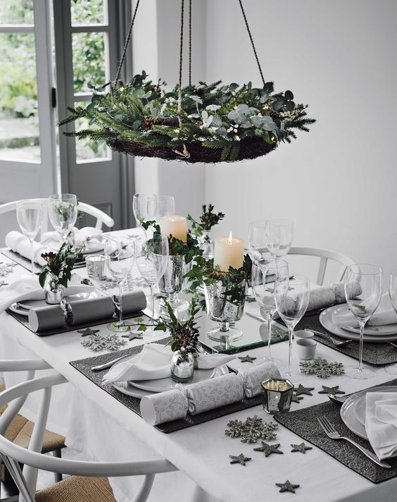 50 Christmas Table Decoration Ideas Settings And Centerpieces For Christmas Table Julia Palosini