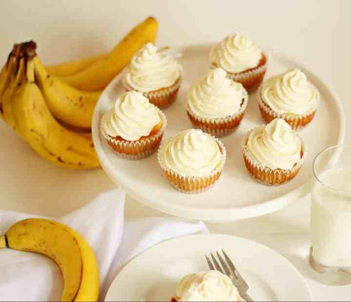 mini banana cheesecake