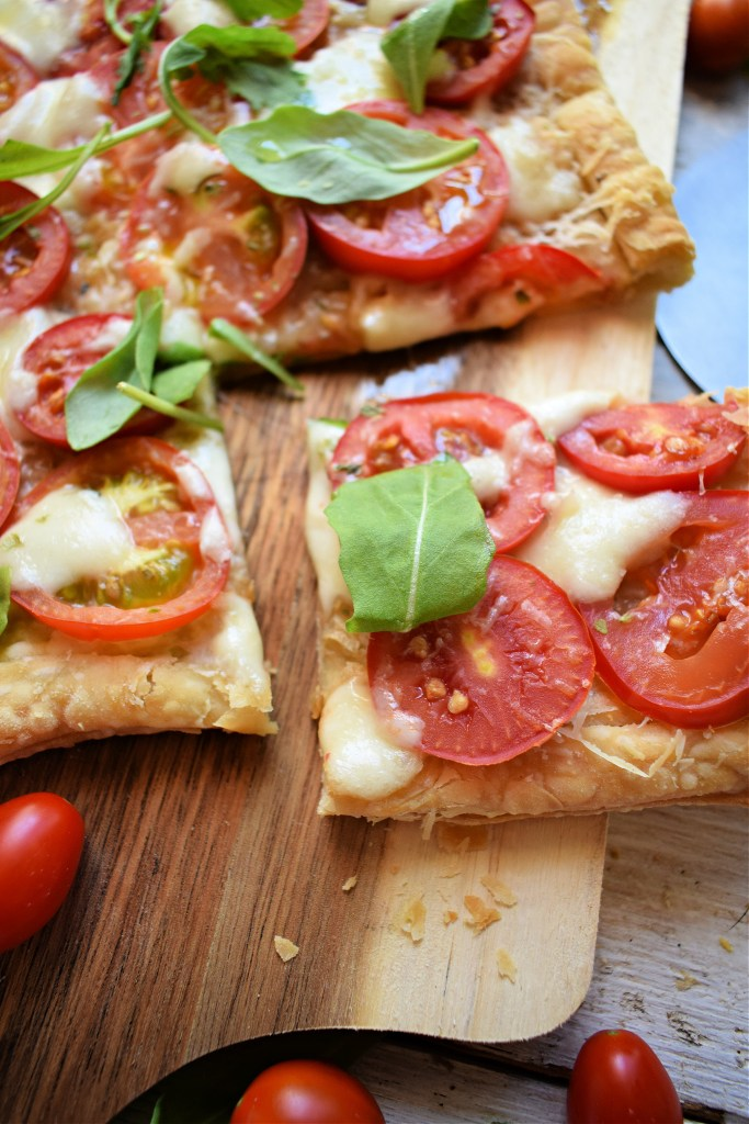 close up of the easy puff pastry tomato tart