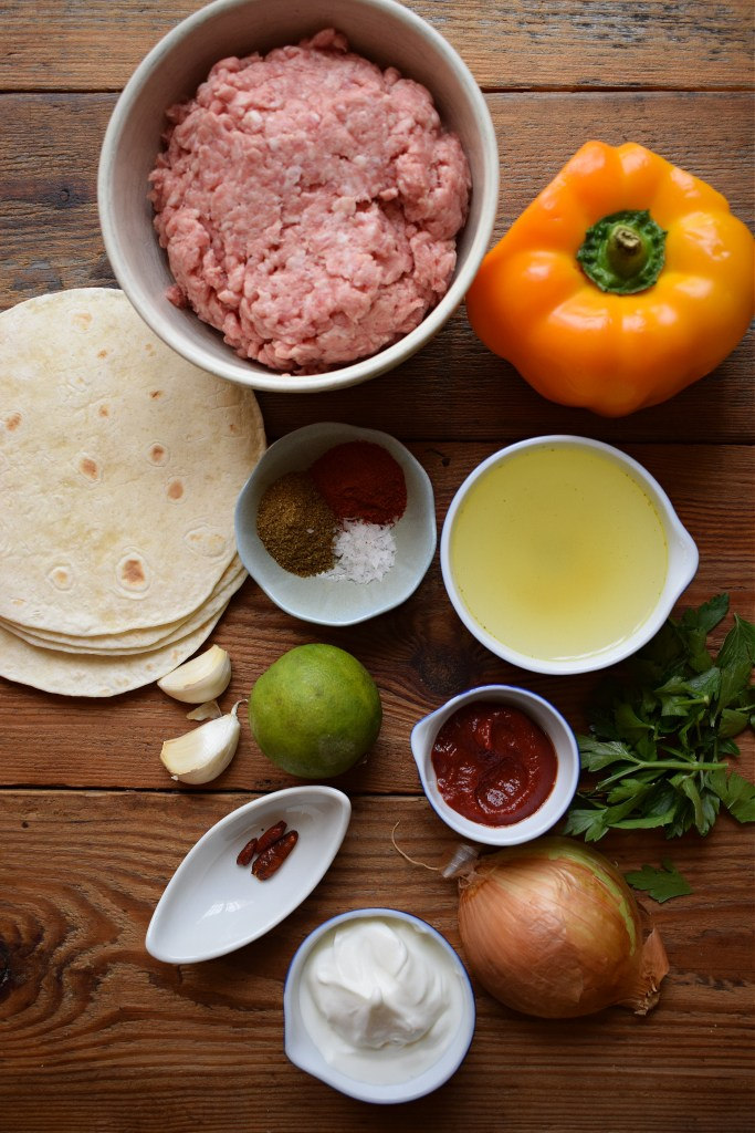 Ingredients to make the Pork tacos with sriracha mayo
