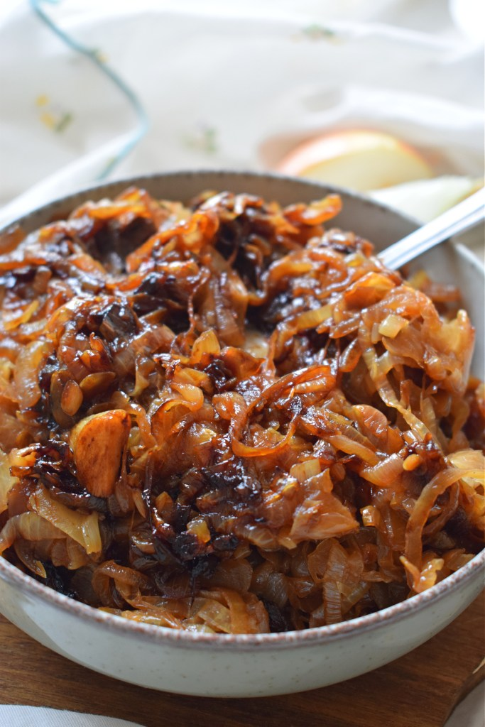 close up of how to caramelize onions
