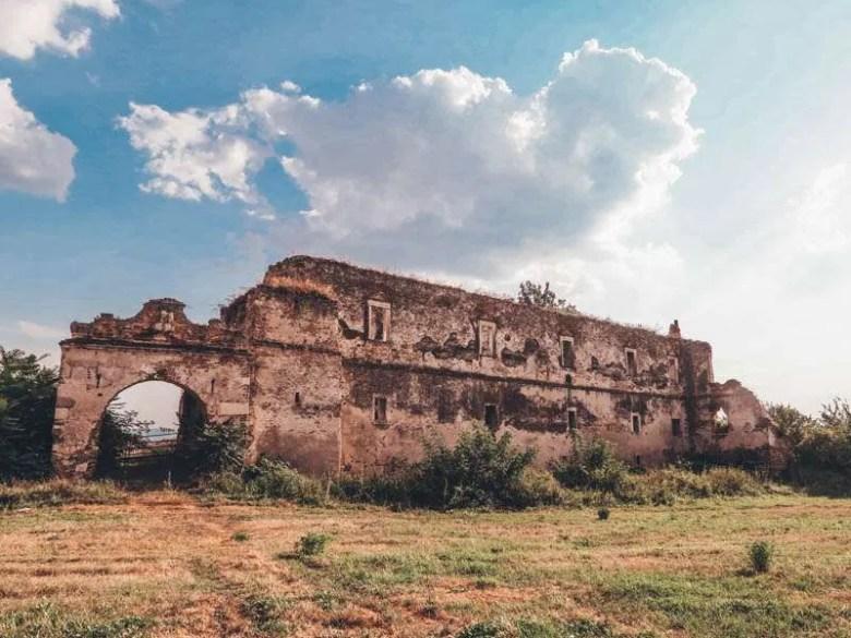 Martinuzzi Castle heritage trip romania