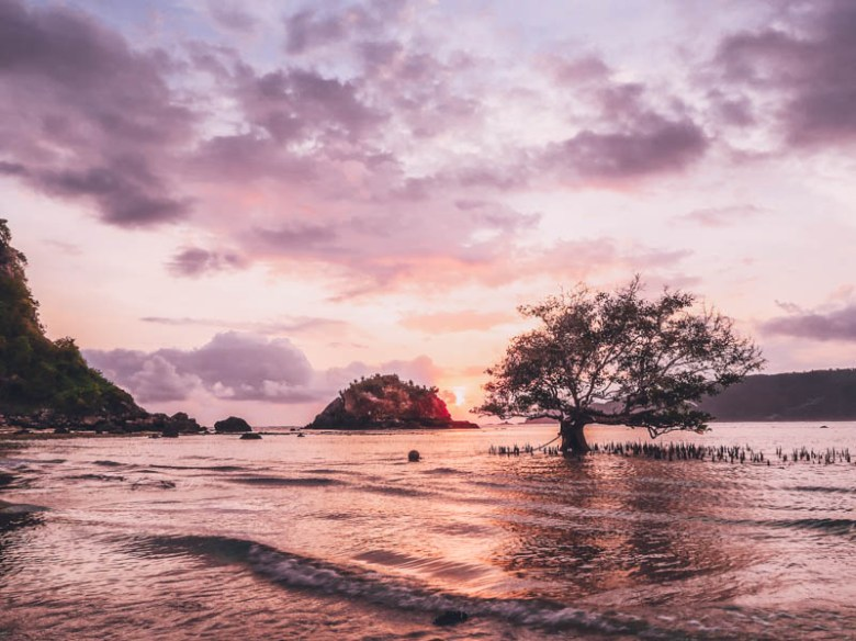 Pantai Seger Kuta Lombok  Exploring Kuta Lombok, Indonesia for 3 days