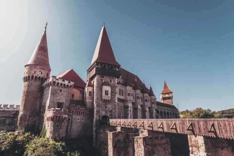 Hunedoara Castle (Corvin Castle or Castelul Corvinilor) A 5-day Romania road trip: Castles, 2000-year-old ruins and natural wonders