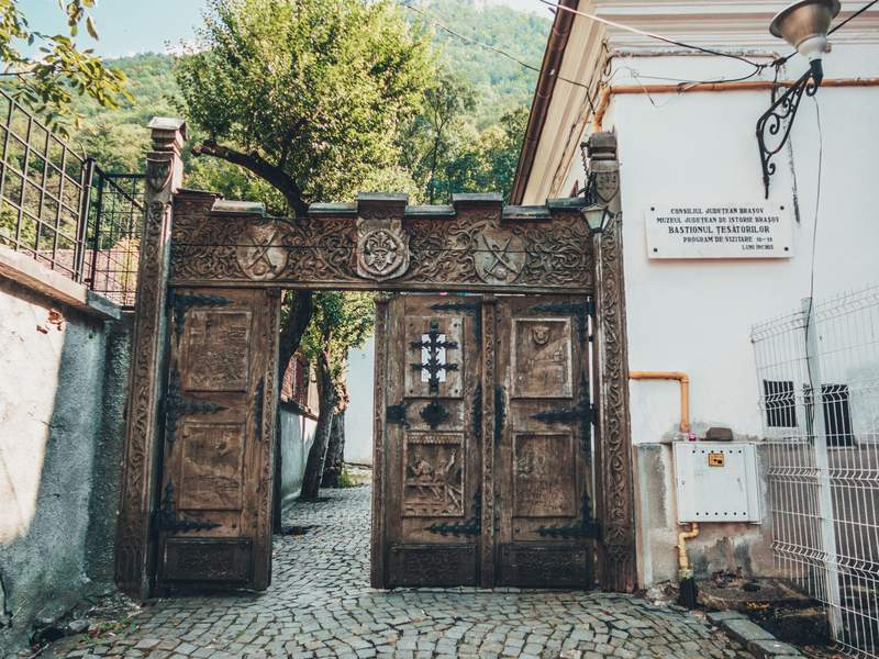 Bastionul Țesătorilor (Weavers' Bastion) Top 11 things to do in Brasov, Romania