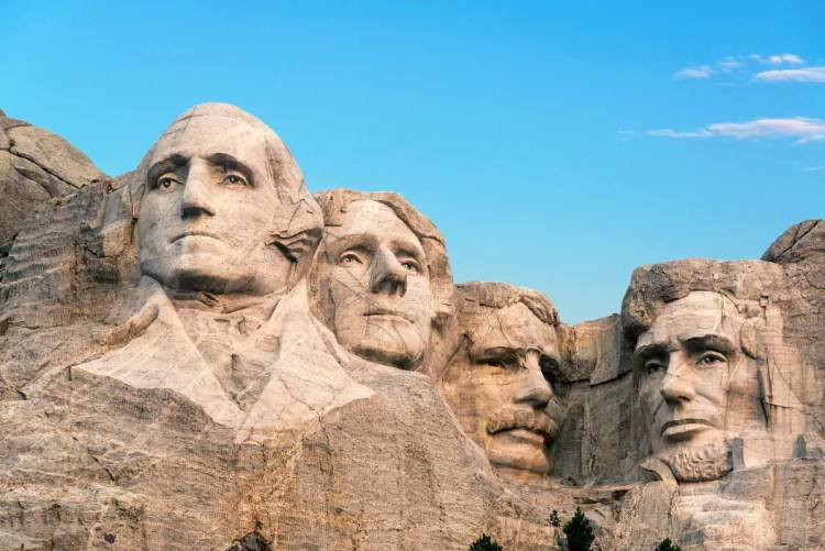 15 Mount Rushmore, South Dakota Best places to visit in September in the USA