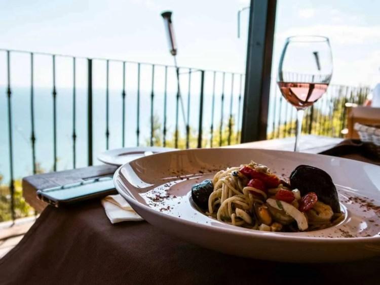El balcon del Mundo restaurant Bulgaria Road Trip: The perfect 7-day itinerary through beautiful Bulgaria