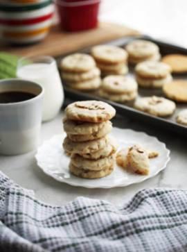 42 crunchy_almond_cookie(v4)