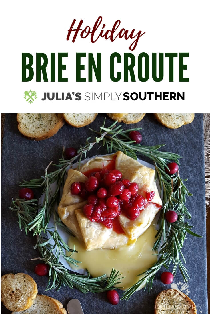 Holiday Brie en Croute appetizer #appetizer #holidays #easyrecipe #cranberry