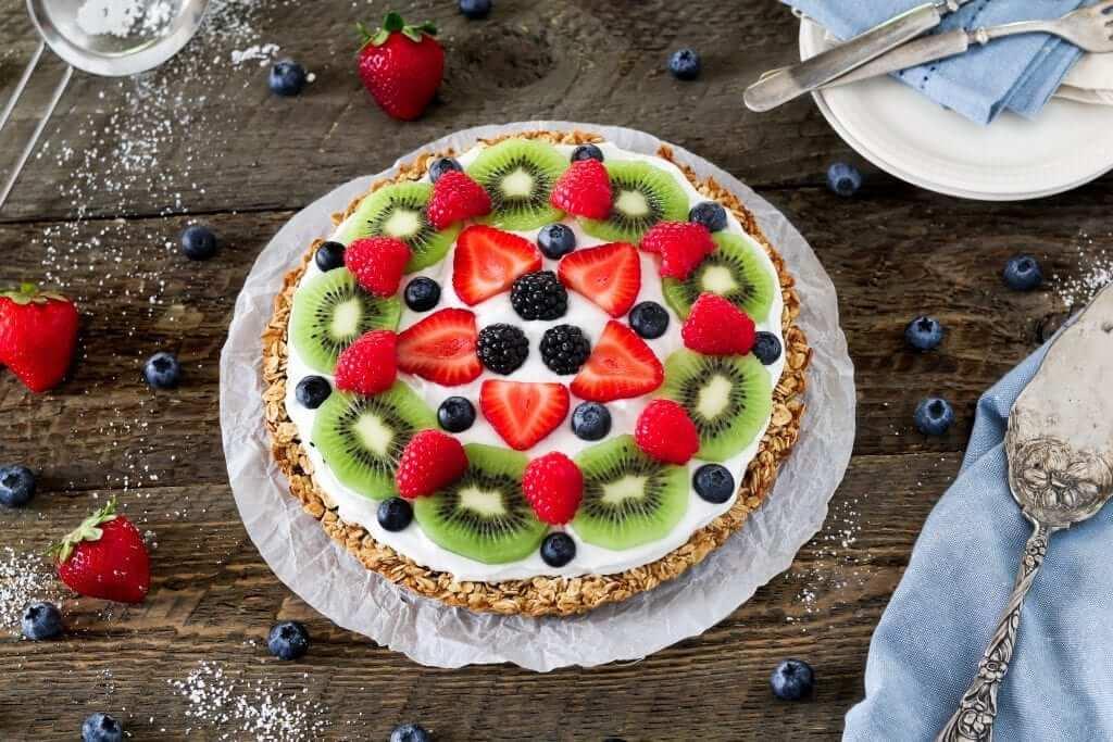 Healthy fruit pizza - brunch