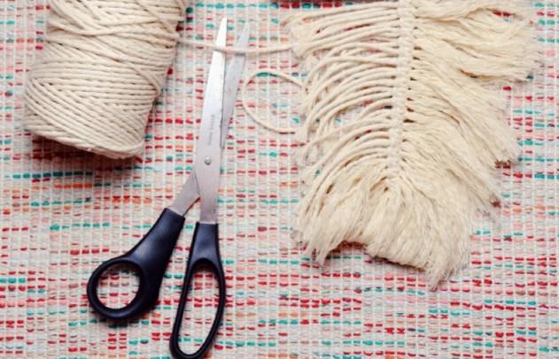 DIY Makramee Feder selber machen als DIY Schlüsselanhänger (15)