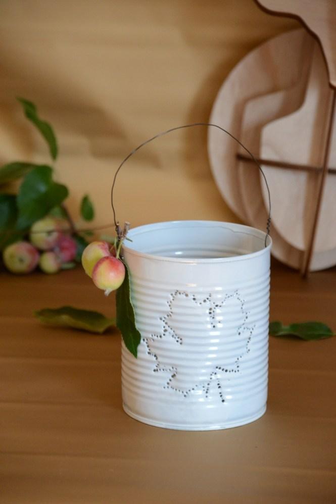 DIY Dosenlatere Konserven upcycling Dosenlicht, Konservenlaterne herbstblatt diy, herbst diy (20)