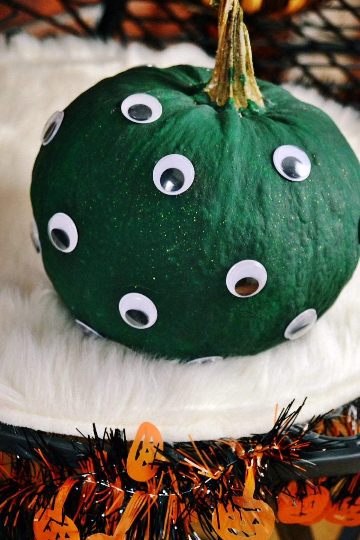 diy halloween ideen zum selber machen mit sachen die man zu hause hat, halloween party deko selber machen diy kürbis