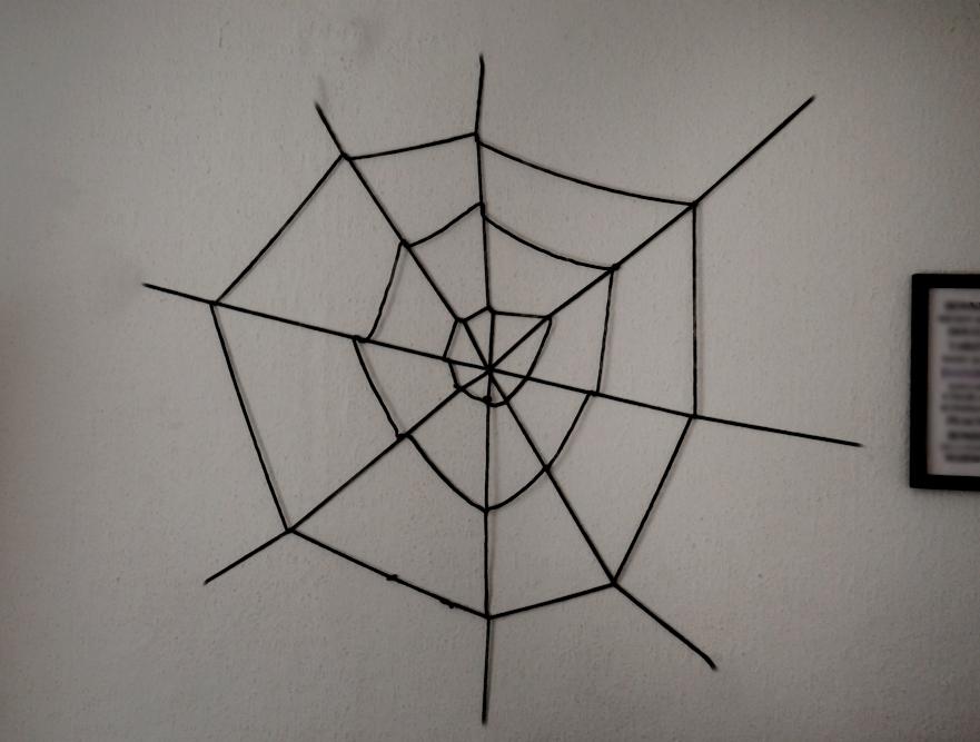 diy halloween ideen zum selber machen mit sachen die man zu hause hat, halloween party deko selber machen diy spinnennetz