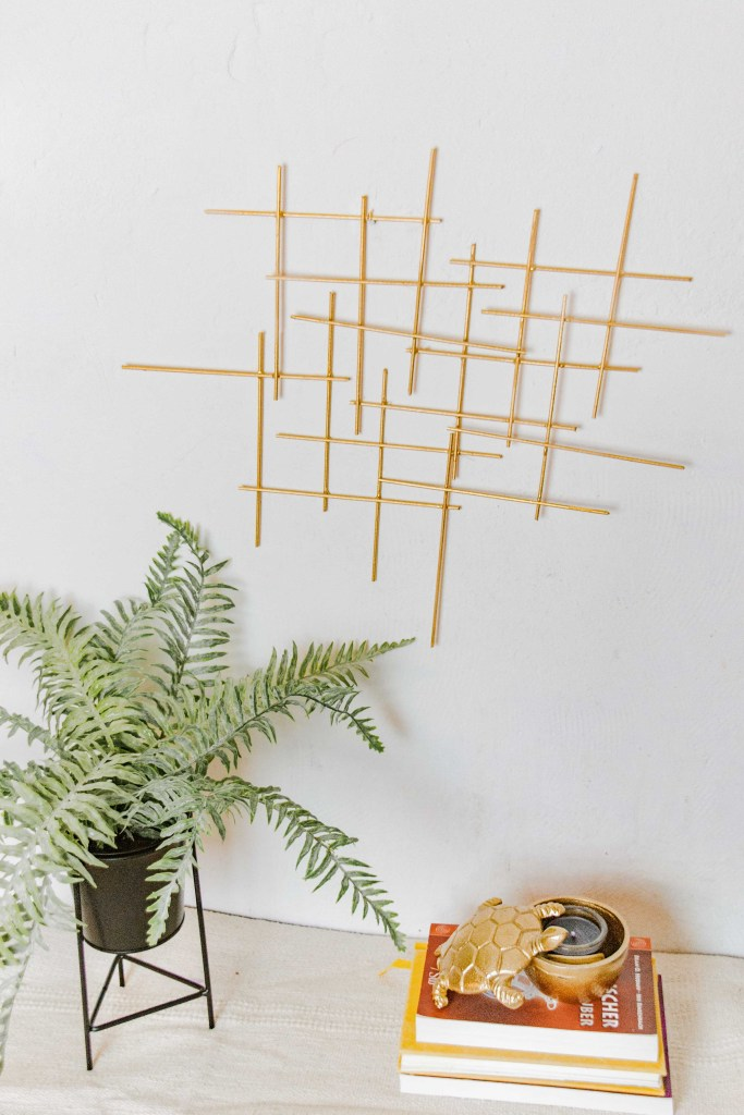 DIY Wanddeko in gold