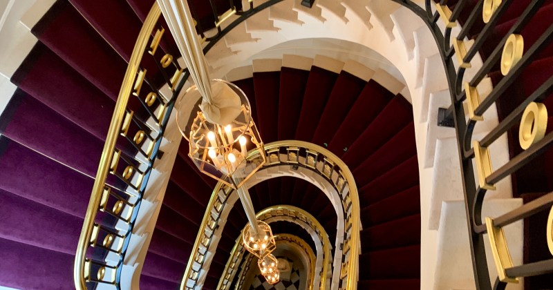 the main staircase at La Reserve, Paris