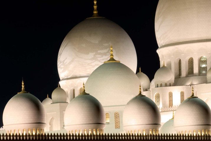 Sheikh Zayad Grand Mosque, image courtesy of Dept of Culture & Tourism, Abu Dhabi