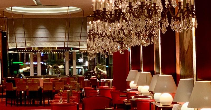 the lobby bar at De L'Europe