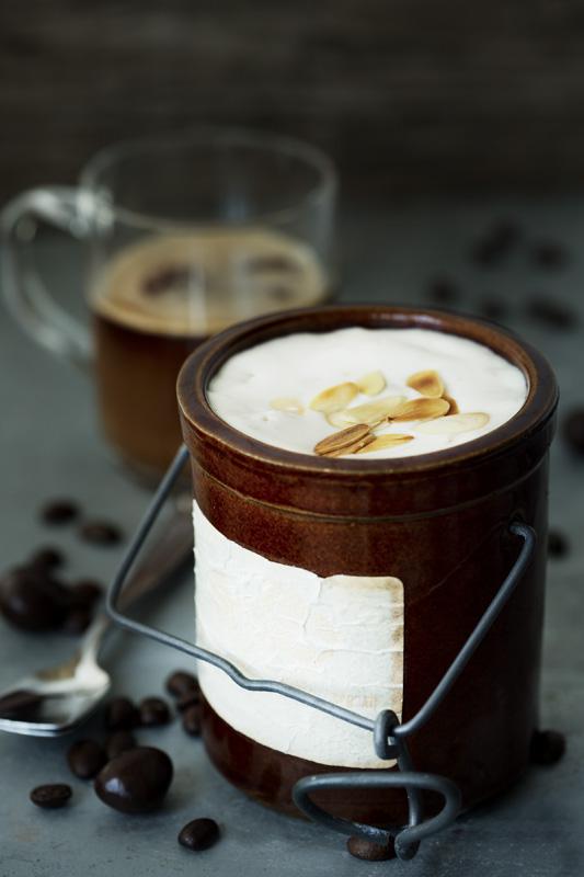 Demi freddo aux amandes et café