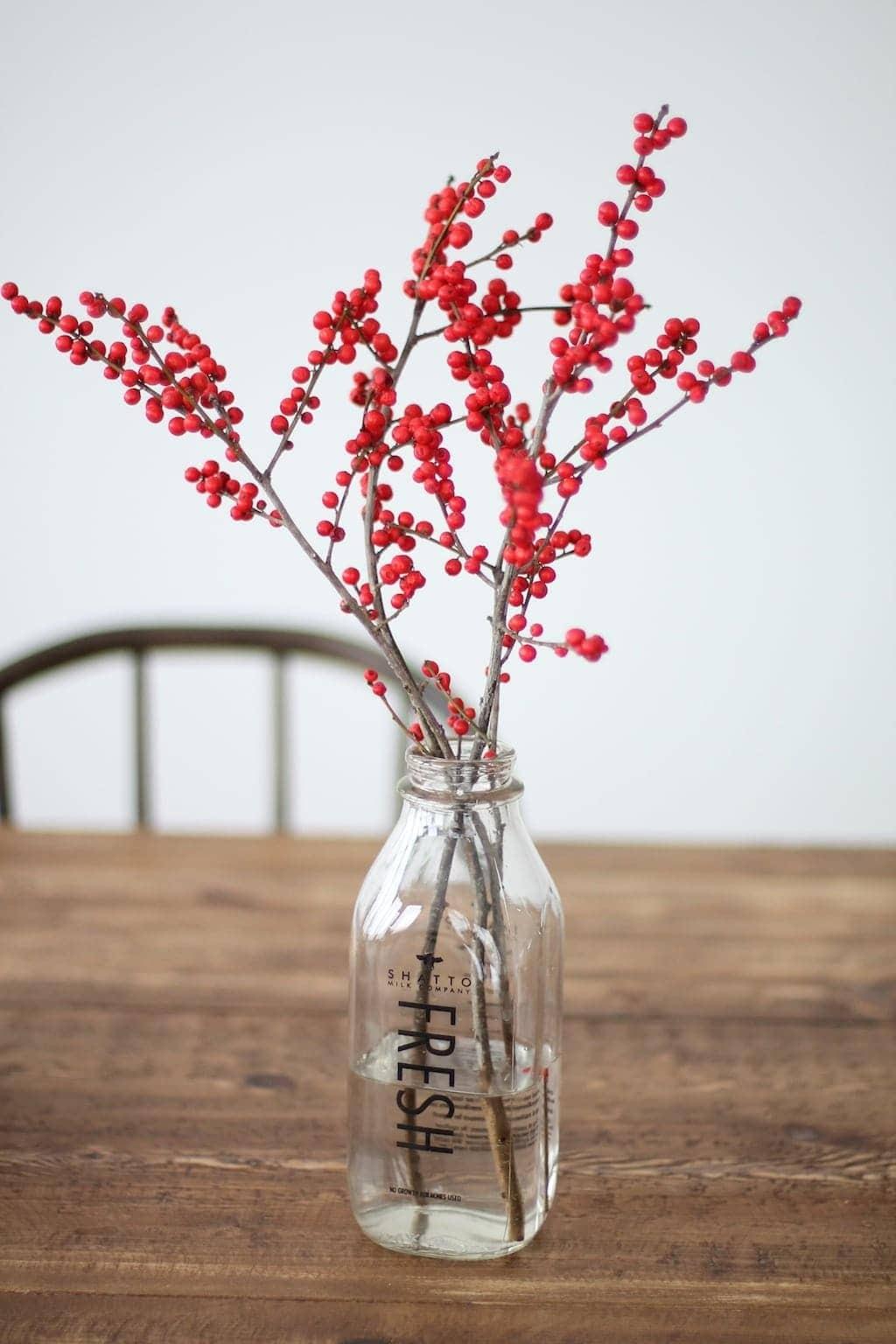 5 Minute DIY Christmas Centerpiece with Pinecones  Berries