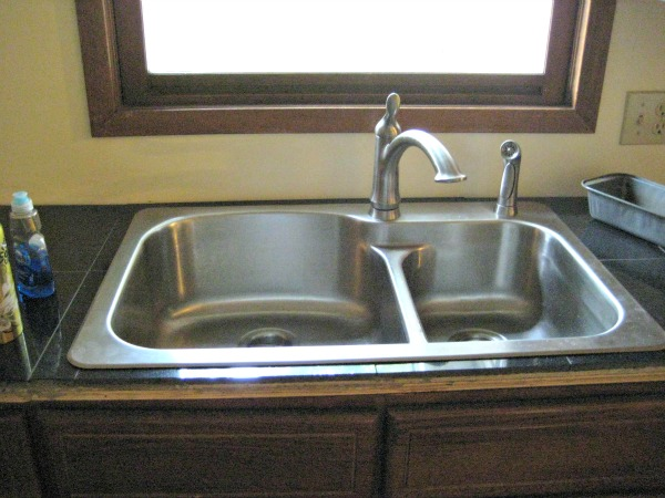 julia's new kitchen sink