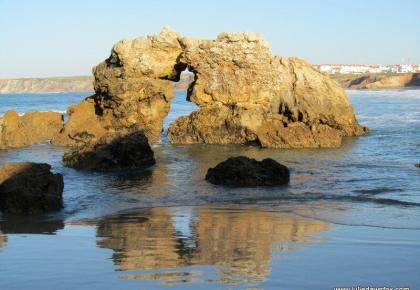 Kissing rocks, Baleal