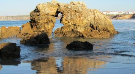 Kissing rocks, Baleal