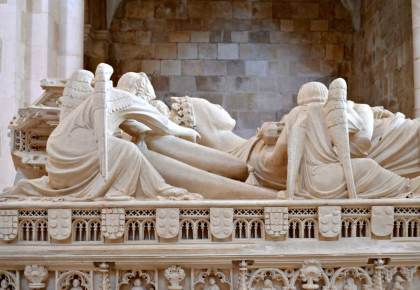 Detail of tomb of Inês wearing crown, Alcobaça. Photo © Carolyn Miller
