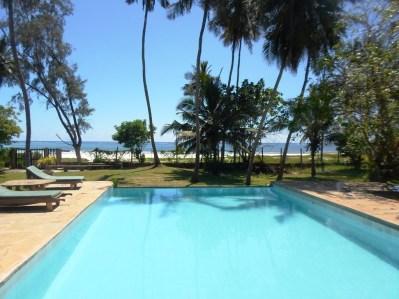 pool to beach2