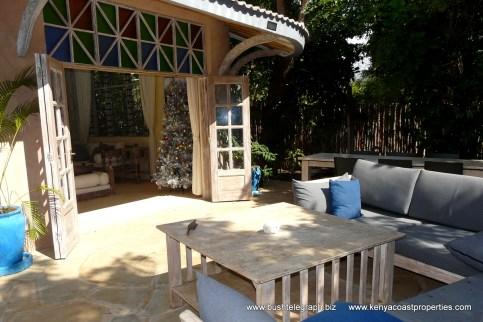verandah-to-front