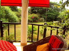 verandah-to-garden