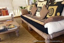 beautiful-modern-old-style-furniture