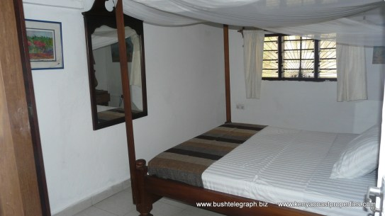 bedroom-back
