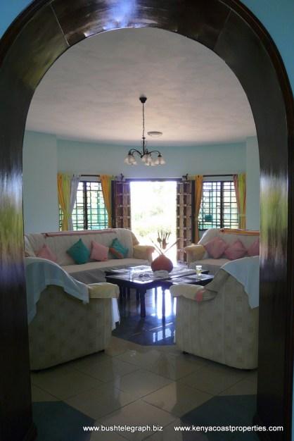 entrance to sitting to verandah