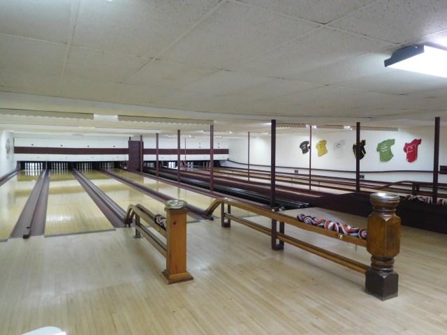 Shelburne_Falls_candlepin_bowling