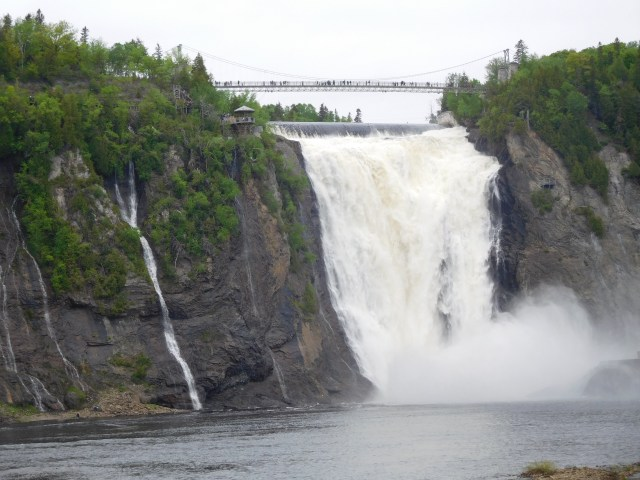 Montmorency_Falls_quebec_city