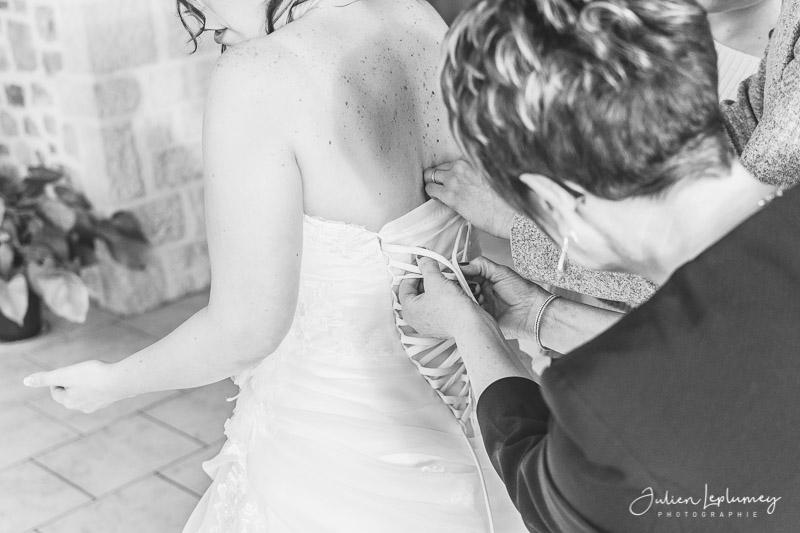 Ajustements de la robe de mariée
