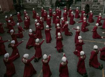 rs_1024x759-180423084614-1024.3-the-handmaids-tale-season-2.ch.042318