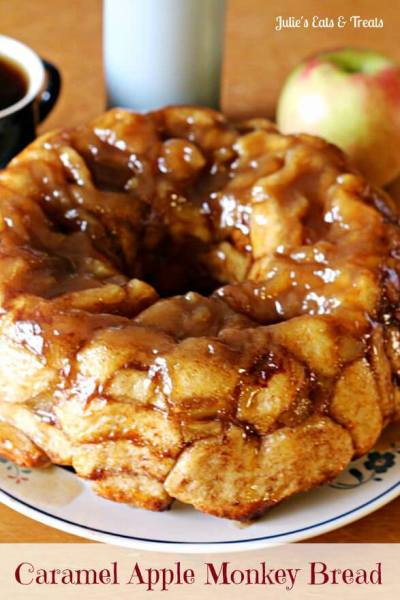 Caramel Apple Monkey Bread ~ Ooey, Gooey Monkey Bread Spiced with Cinnamon and Full of Apples! Prep it the night before and wake your family up to the amazing smell of cinnamon and apples!