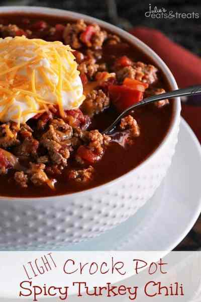 Light Crock Pot Spicy Turkey Chili ~ Delicious Light Chili Recipe with a Kick! Only Six Ingredients to a Healthy Dinner Recipe!