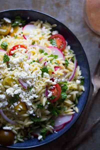 Herbed-Orzo-Salad-with-Tomatoes-and-Feta-4