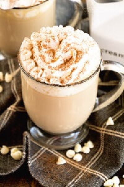 White Chocolate Latte Recipe ~ Delicious, Easy, Homemade White Chocolate Latte Recipe that Will Have You Sipping Lattes Whenever You Want!
