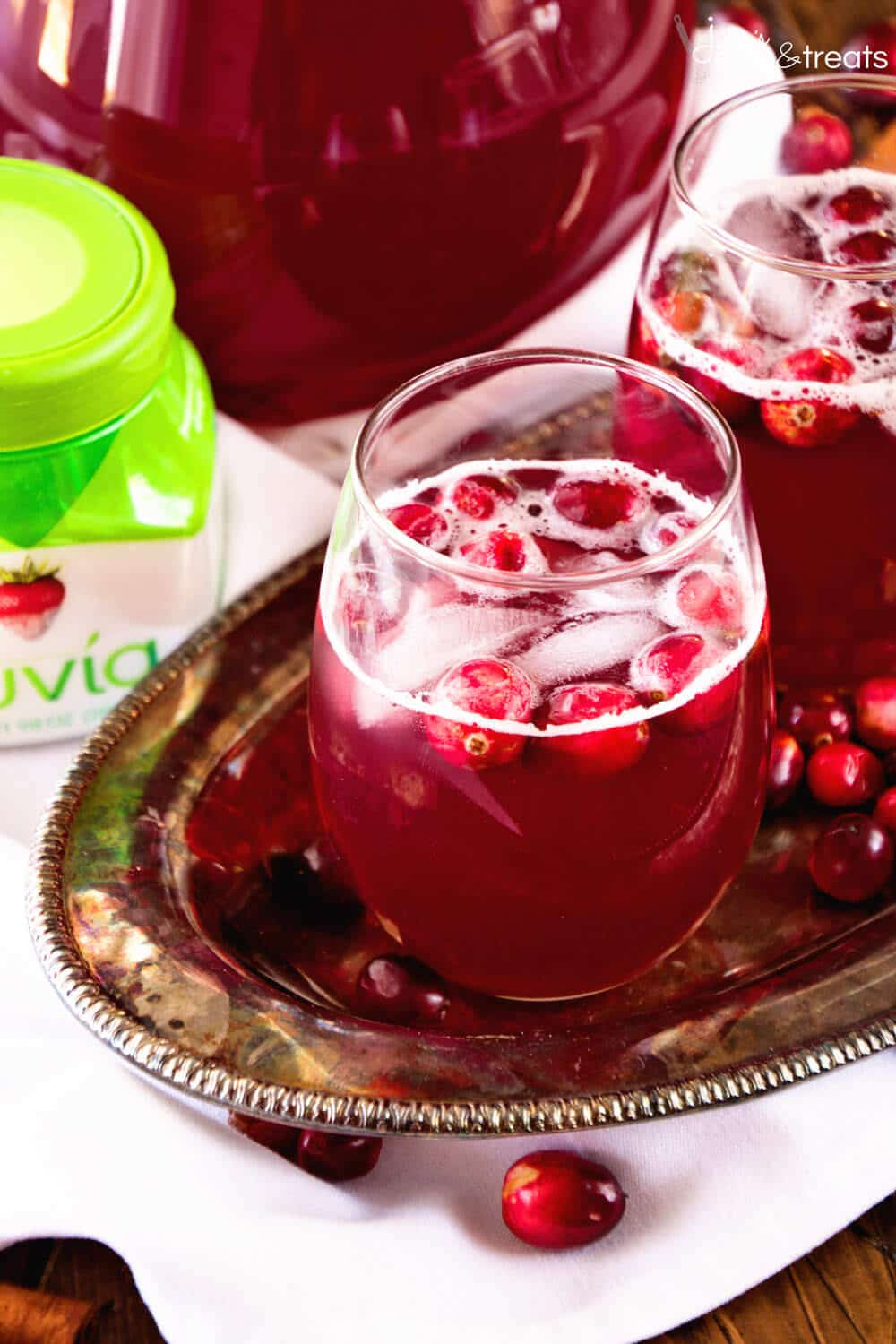 TruviaSkinny Spiced Cranberry Punch Overhead